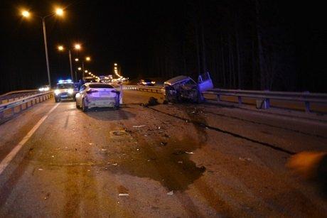 В ДТП в Ханты-Мансийске погиб водитель ВАЗа (3).jpg
