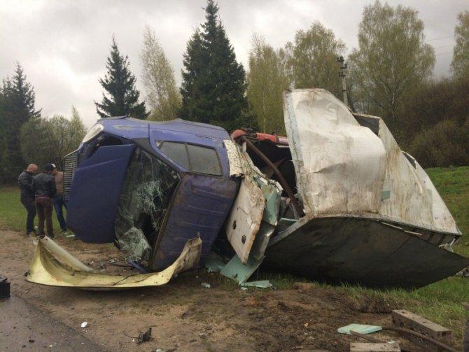 На трассе Иваново-Кострома в ДТП с «Газелью» погиб человек (5).jpg