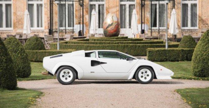 Lamborghini Countach 5000 с золотыми вставками продадут на аукционе (1).jpg