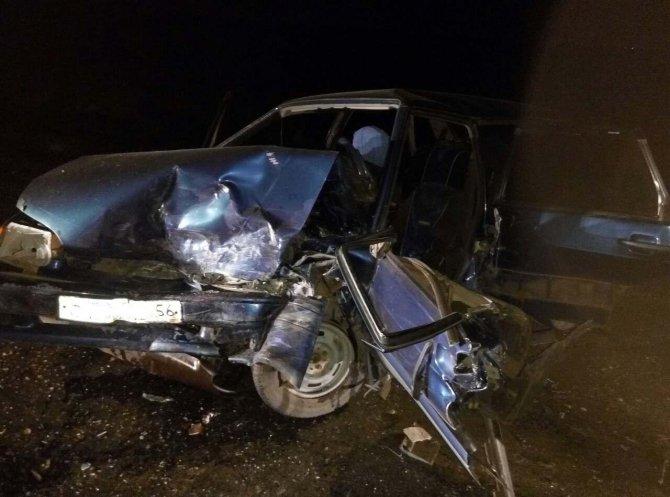 В Сакмарском районе в ДТП с двумя ВАЗами погиб мужчина (3).jpg