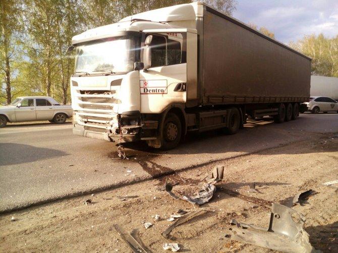 В ДТП с фурой у Баратаевки погиб человек (5).jpg