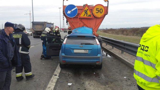 В ДТП на КАД в Петербурге погиб водитель иномарки.jpg