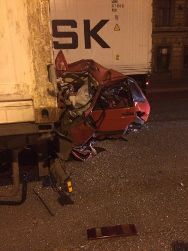 В ДТП на Обводном в Петербурге погиб водитель ВАЗа (7).jpg