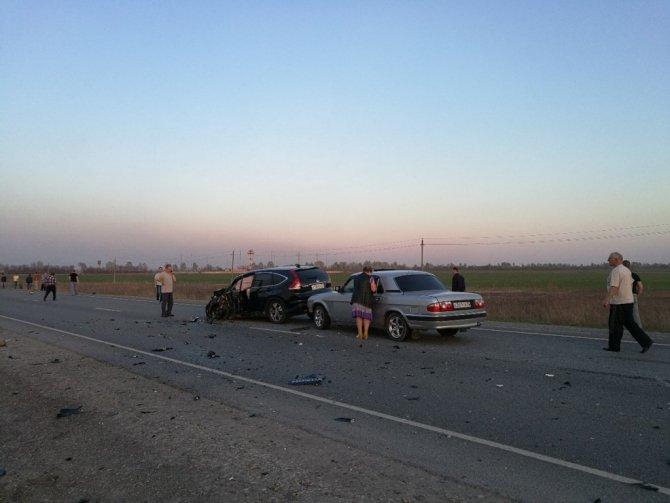 На трассе за Баратаевкой в ДТП с мотоциклами погибли три человека (3).jpg
