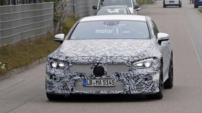 На тестах снова замечен седан Mercedes-AMG GT (6).jpg
