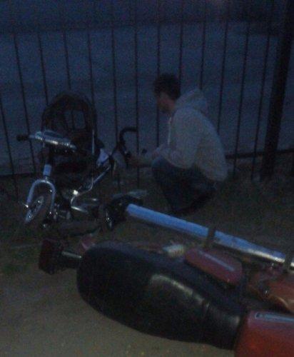 В Рыбном мотоциклист сбил ребенка и скрылся (1).jpg