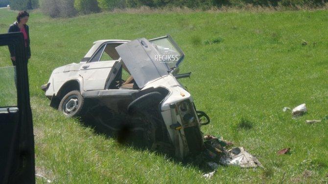 В тройном ДТП в Омской области погибли два человека (2).jpg