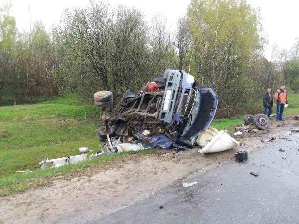На трассе Иваново-Кострома в ДТП с «Газелью» погиб человек (7).jpg