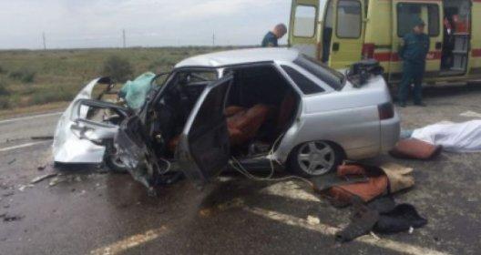 Молодой пассажир легковушки погиб в ДТП с КамАЗом под Астраханью (1).jpg