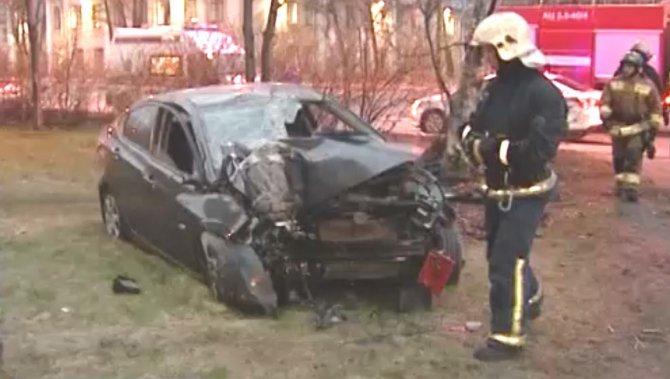 В Петербурге три угонщика такси попали в ДТП.jpg