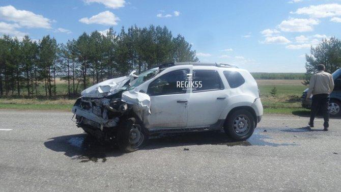 В тройном ДТП в Омской области погибли два человека (1).jpg