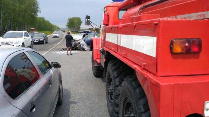 В Лаишевском районе в тройном ДТП погибли два человека (4).jpg
