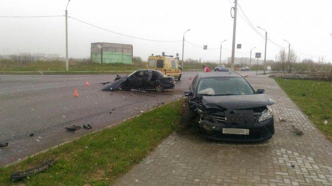 В ДТП в Твери пострадали два человека (1).jpg