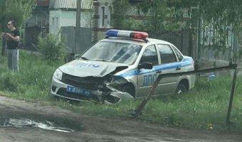 В Балашове  в ДТП попал автомобиль ДПС