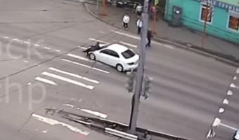 В Красноярске иномарка насмерть сбила женщину