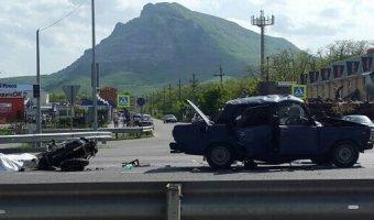 В ДТП в Минеральных Водах погибли мотоциклист и водитель ВАЗа