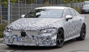 На тестах снова замечен седан Mercedes-AMG GT