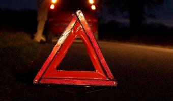 В Москве на МКАД столкнулись фура и такси: погибли три человека