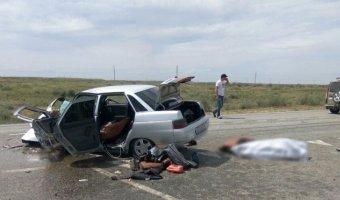 Молодой пассажир легковушки погиб в ДТП с КамАЗом под Астраханью
