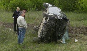 Под Вольском два человека погибли, вылетев из автомобиля