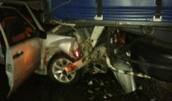 Три человека пострадали по вине пьяного водителя в ДТП с фурой в Саратове