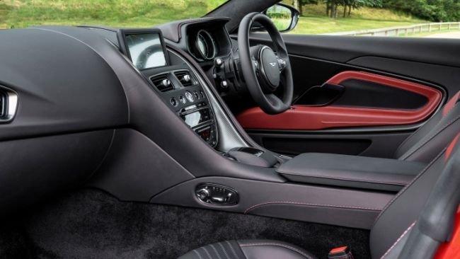 Эксклюзивный Aston Martin DB11 посвятили Королевской регате (3).jpg