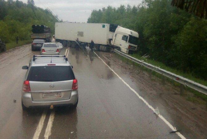 В ДТП с фурой на трассе Пермь–Березники погибла девушка (1).jpg