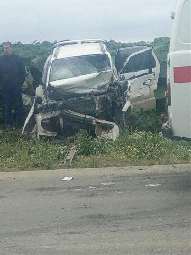 В лобовом ДТП на Сахалине погибли женщина и двое детей (2).jpg
