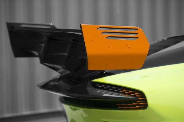 Aston Martin Vulcan получил новую экстремальную версию AMR Pro (3).jpg