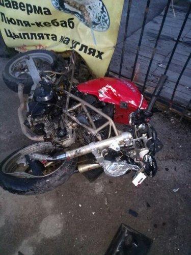 Мотоциклист погиб в ДТП в Янино (2).jpg