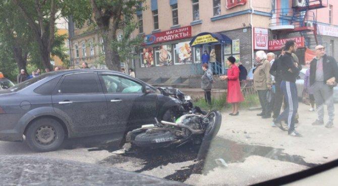 В Нижнем Новгороде при столкновении с автомобилем погиб мотоциклист (1).jpg