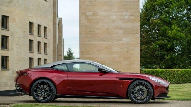 Эксклюзивный Aston Martin DB11 посвятили Королевской регате (5).jpg