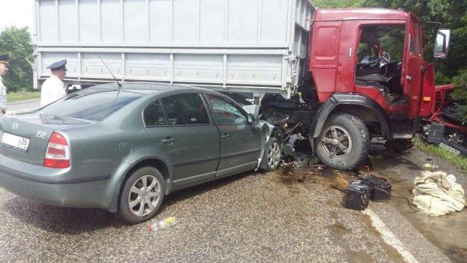 В ДТП с КАМАЗом на Ставрополье погибли два человека (1).jpeg