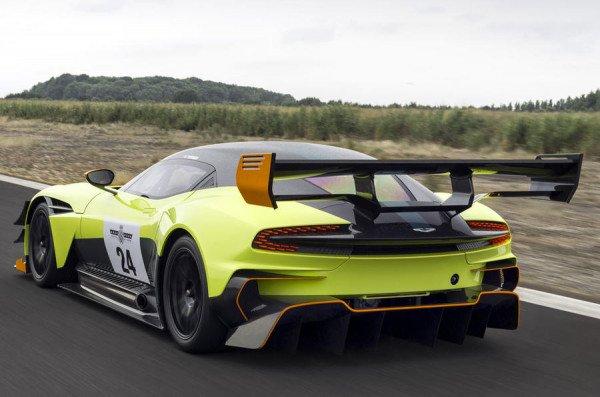 Aston Martin Vulcan получил новую экстремальную версию AMR Pro (4).jpg