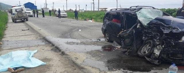 В лобовом ДТП на Сахалине погибли женщина и двое детей (1).jpg