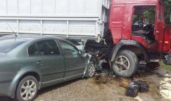 В ДТП с КАМАЗом на Ставрополье погибли два человека