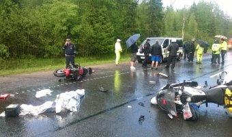 В ДТП под Новгородом погибла мотоциклистка