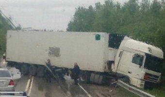 В ДТП с фурой на трассе Пермь–Березники погибла девушка