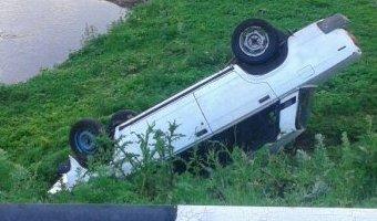 В Башкирии ВАЗ упал с моста: водитель погиб