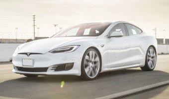 Tesla Model S проехал без подзарядки 900 км