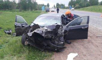 В ДТП с КамАЗом в Псковской области погиб молодой водитель