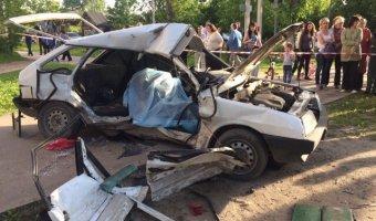 В страшном ДТП в Иванове погибла девушка и пострадал ребенок