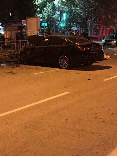 В ночном ДТП в центре Барнаула погибли два человека (4).jpg