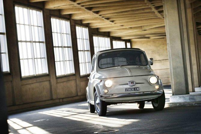Fiat 500 назвали произведением искусства (2).jpg