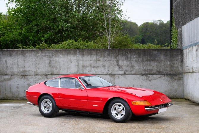На аукционе будет продан Ferrari Daytona Элтона Джона (4).jpg