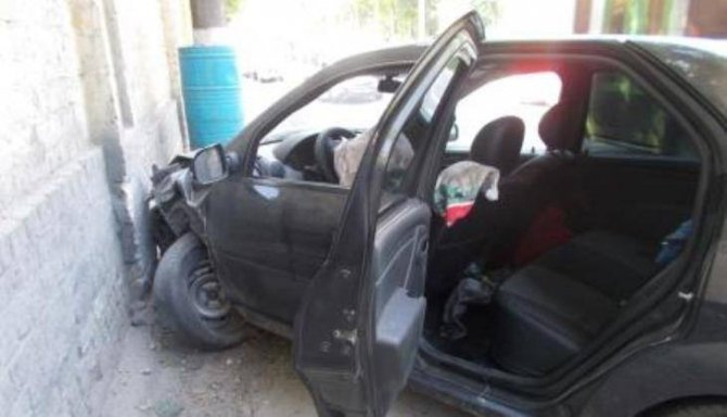 В Брянске в ДТП с такси пострадали женщина с ребенком.jpg