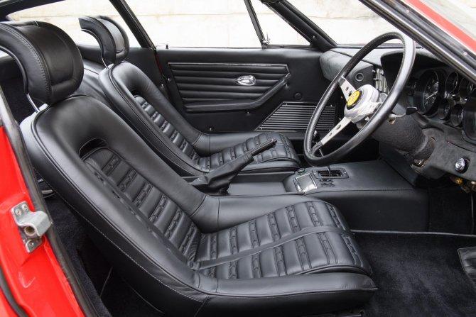 На аукционе будет продан Ferrari Daytona Элтона Джона (1).jpg