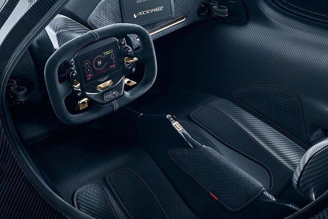 Aston Martin представили предсерийный гиперкар Valkyrie (3).jpg