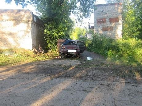 В Краснокамске водитель без прав врезался в дом погиб молодой пассажир (1).jpg
