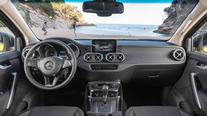 Пикап Mercedes-Benz X-Class представлен официально (4).jpg